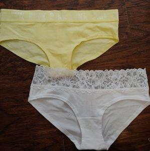 2 Hiphugger Panties